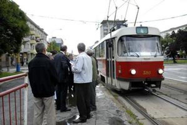 Návrh sa obyvateľom nepáči. Severania chcú, aby štvorka nekončila na stanici, ale premávala až na Havlíčkovu.