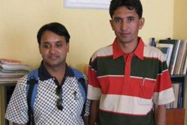 Vľavo Govinda Thapa, vpravo Dukma Pudashalin.