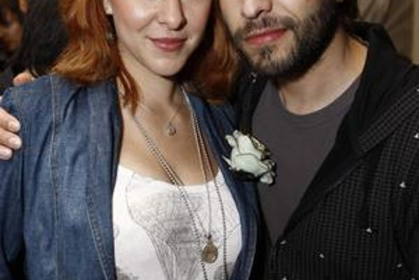 Kamil Mikulčík s manželkou.