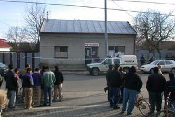 Streľba z roku 2003. V tomto obchode došlo ku krvavému incidentu. Súdy doteraz nerozhodli, či jeho majiteľ vraždil, alebo iba použil nutnú obranu.