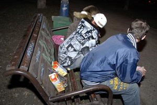 V piatok podvečer... Radní by radšej videli mladých pri iných aktivitách.
