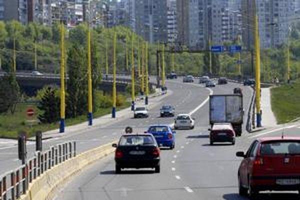Havarijný stav cestného mosta vedúceho na Furču si vyžiadal navýšenie prostriedkov z mestského rozpočtu. Budú ho opravovať.