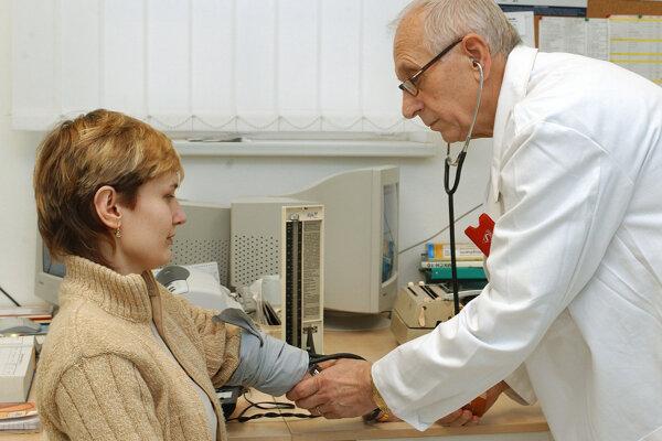Priemerný vek lekárov v Trenčianskom kraji stále rastie.