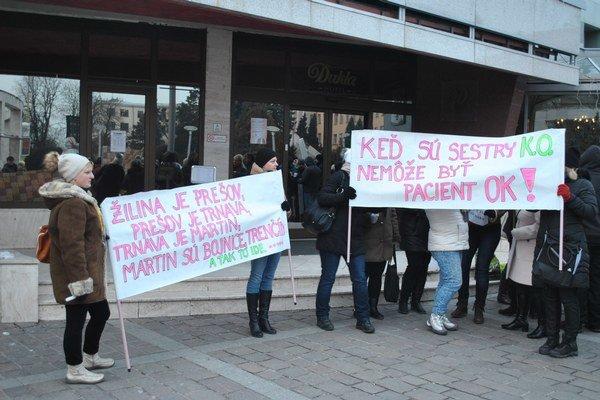 Kríza v zdravotníctve. Prešovská nemocnica bojuje snedostatkom sestier.