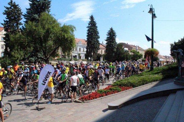 Vyše dvesto cyklistov na štarte. Organizátori veria opäť vpodobnú účasť.