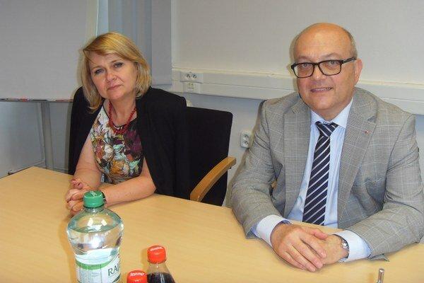 Vedenie spoločnosti. N. Banduričová a P. Minarik bilancovali 10 rokov pôsobenia.