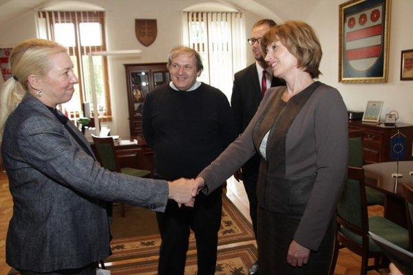 Návšteva z Kanady. Kathy Bunka s primátorkou hovorili o ekonomickej spolupráci.