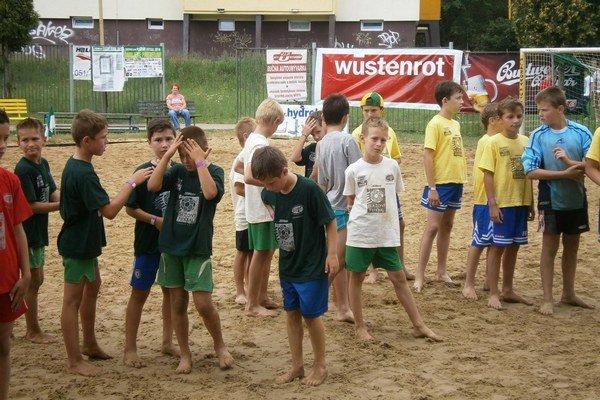 Hrať na piesku budú aj najmenšie deti.