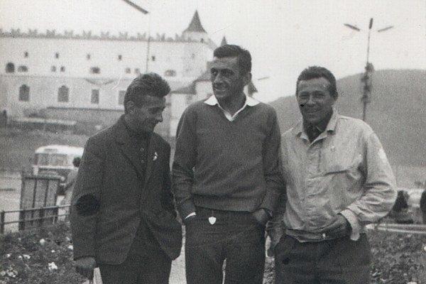 L. Platko vo Zvolene. Stojí uprostred, v roku 1965 už bol majstrom športu.