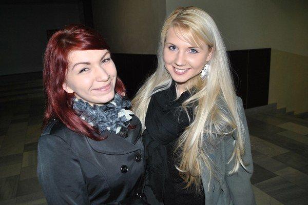 Júlia Lenhardtová (vľavo) a Alena Molčanová pomáhajú závislým.