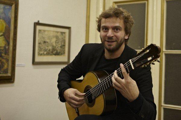 Dni klasickej gitary. Poľský gitarista Dylla je označovaný za jeden z najväčších talentov na planéte.