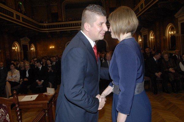 Poslanec opozície Rudolf Dupkala a primátorka Andrea Turčanová.