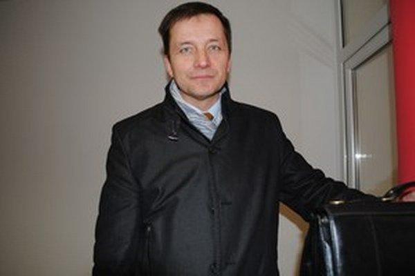 Alexander Ernst.