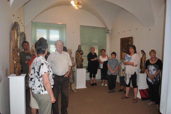 Vernisáž. Návštevníci patrili k prvým, ktorí zhliadli vzácne exponáty.