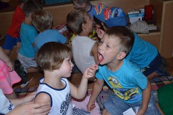 Prázdniny predškolákov. Naučili sa tiež, ako si majú správne vyčistiť zuby.