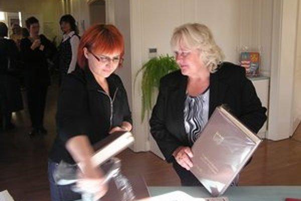 Riaditeľka M. Skalková. Chce pre zbierku od amerických Slovákov vytvoriť špeciálne oddelenie.