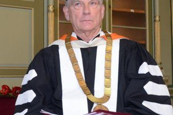 Profesor P. R. Magocsi. Na Univerzite v Toronte vedie katedru ukrajinských štúdií.