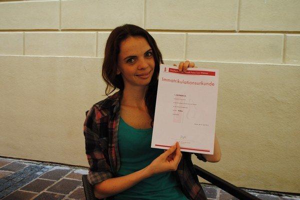Rút Pajorková. S nemeckým imatrikulačným diplomom.