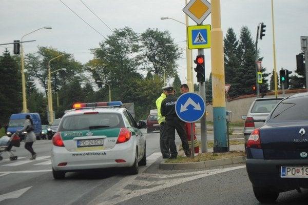 Nehoda na Levočskej. Spomalila dopravu.