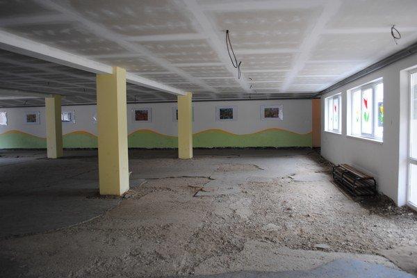 Pavilón. Chýba tam podlaha aj svietidlá.