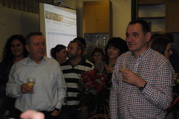Stanislav Kubánek (vľavo) môže byť spokojný, Peter Chudík je staronovým županom a Smer má v Prešovskom kraji pohodlnú poslaneckú väčšinu.