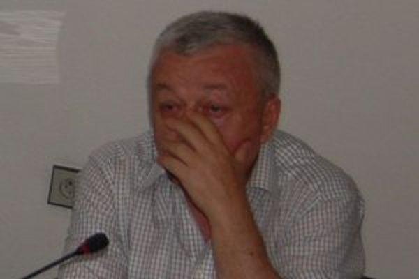Exadvokát M. Černáka sedí na lavici obžalovaných.