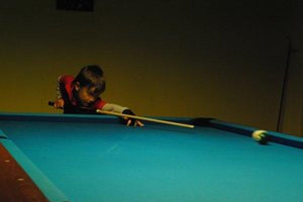 Najmladší ligový hráč. Sedemročný Kristián Mrva hráva za mužov.