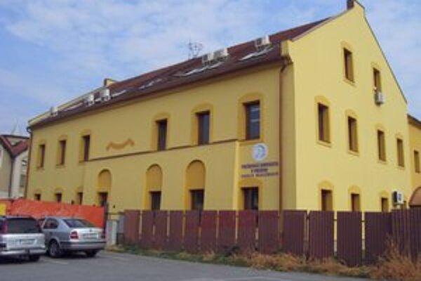 Komplex na Konštantínovej ulici dostavajú.