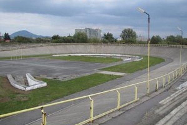 Cyklistický areál. Už cez víkend sa na ňom môžu vyšantiť športovci.