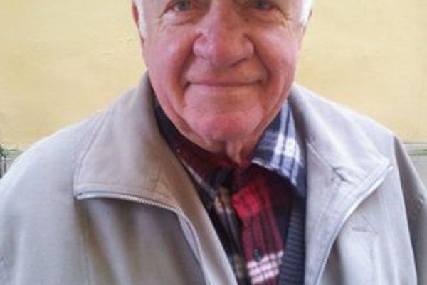 Ján Očkovič. Bývalý pedagóg, zakladateľ súborov a organizátor podujatí sa dožíva 80 rokov.