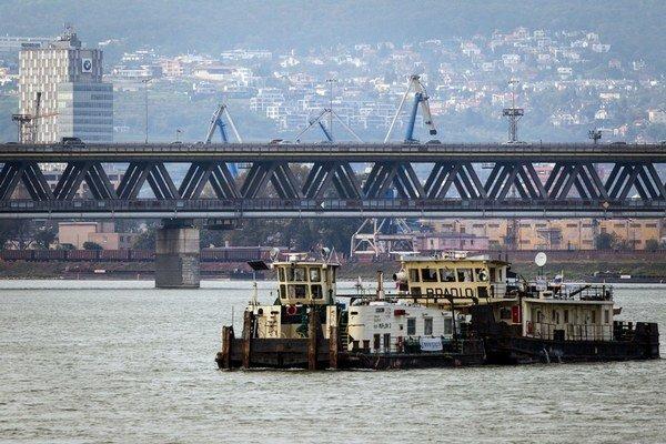 Obchvat by mal odbremeniť dopravu aj na Prístavnom moste.