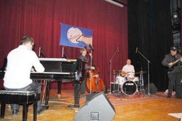 AMC Trio. Pripravilo netradičnú kompozíciu.
