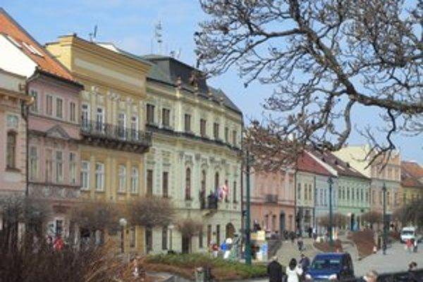 Krajské mesto Prešov. Čoraz viac mladých čaká so svadbou do tridsiatky.