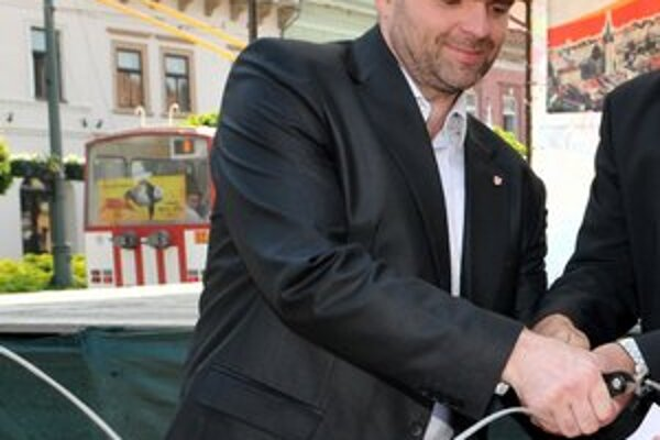 René Pucher. Prezident prešovského HC 07 vie, že len víťazstvá prilákajú divákov.