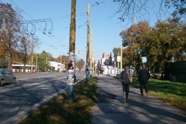 Spojnica s centrom. Prejazd z Kuzmányho ulice na Čierny most bude zrejme až o dva roky.