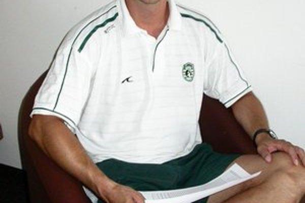 Roman Lamač. Opäť sa obliekol do zeleno–bieleho.