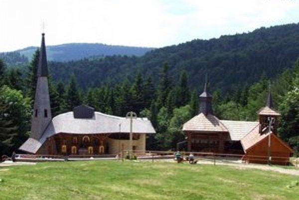 Medzi atraktívnymi lokalitami nechýba ani pútnické miesto Litmanová.