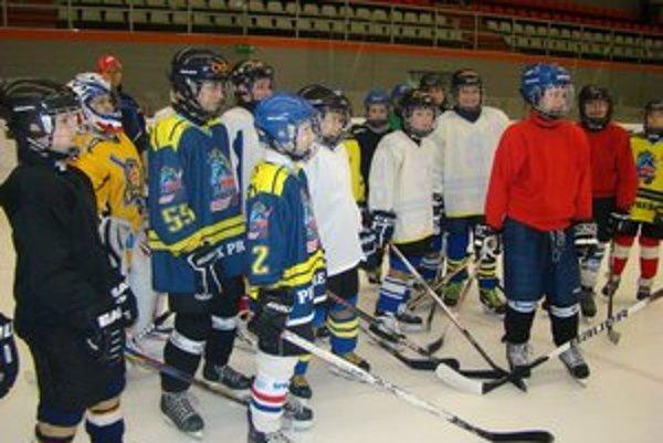 Nádeje prešovského hokeja. Chcú obstáť aj na vrcholnej akcii -  Orange Cupe v Bratislave.