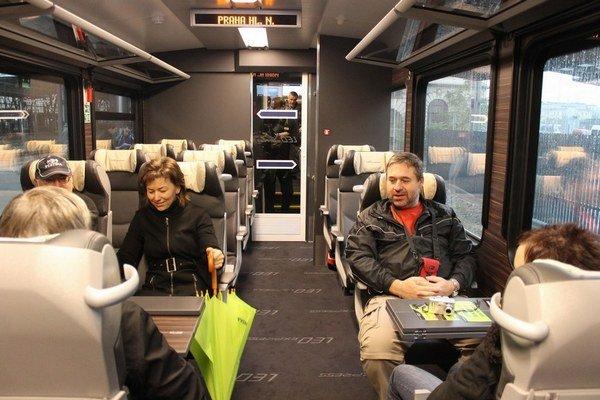Leo Express dúfa, že Slováci budú chcieť tráviť noc v jeho sedačkových vozňoch.