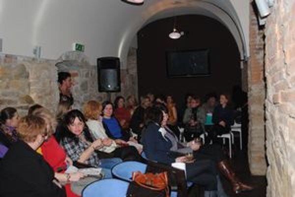 Stretnutie Dámskeho klubu. V Prešove bolo v utorok 60 žien.