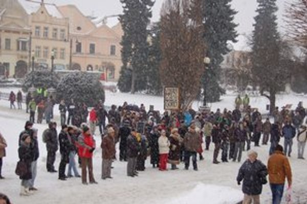 Centrum mesta. Na druhý protest Gorila v Prešove prišlo málo ľudí.