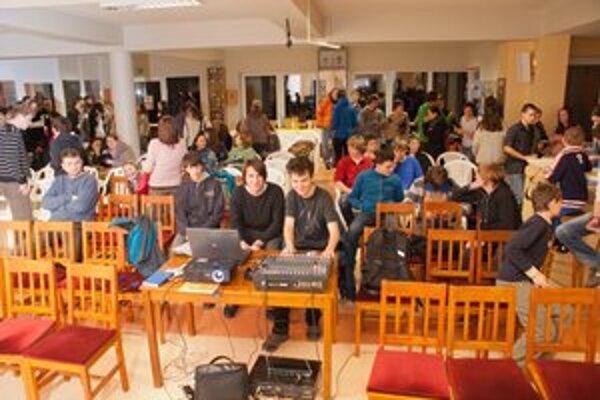 Prešovskí saleziáni – dokumentaristi. Natočili osem dokumentov o mladých dobrovoľníkoch.