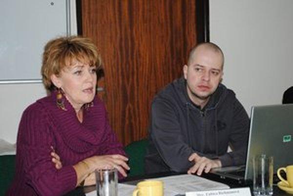 Organizátori. Ľ. Richmanová Fabišíková a Ľ. Lukáč.