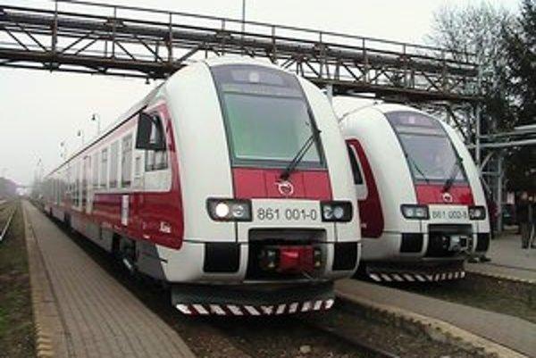 Vlak rovnakého typu bude v nedele premávať medzi Bardejovom a Prešovom.