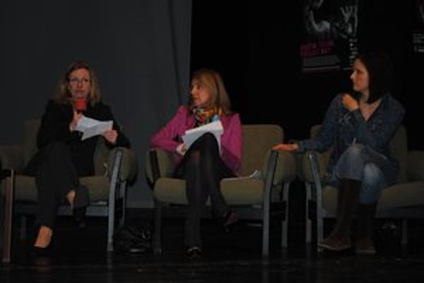 Zľava: Horváthová, Heribanová a Weissová. Rozprávali o anorexii a bulímii.