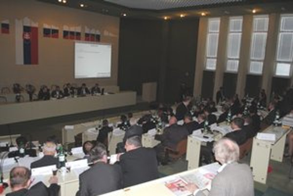 Zastupiteľstvo PSK. Poslanci vyčlenili peniaze.