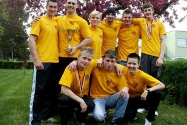 Prešovskí pretláčači rukou. V Ivanke pri Dunaji získali titul majstra Slovenska klubov, rovnako tituly získali aj juniori.