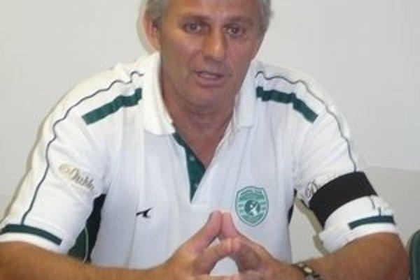 Manažér. M. Šosták avizoval zmenu kvôli hokeju.