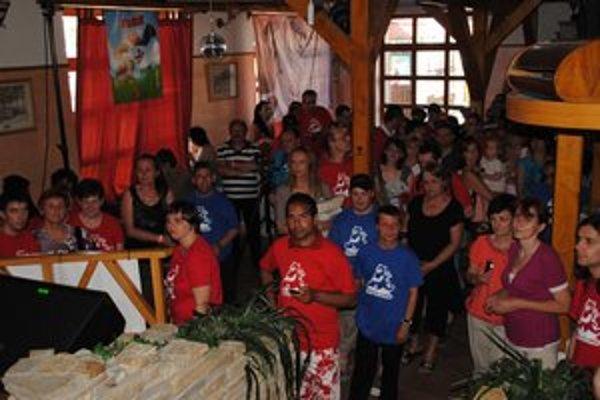 Benefičný koncert Opri sa o mňa. Prišli naňho mladí z celého Prešovského kraja.