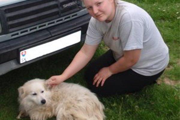 Mária Horníková. Keď sa dozvedela o zranenom psovi, neváhala ani minútu a vybrala sa za ním.
